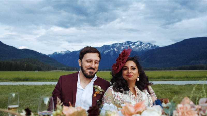 wedding couple dining al fresco in pemberton